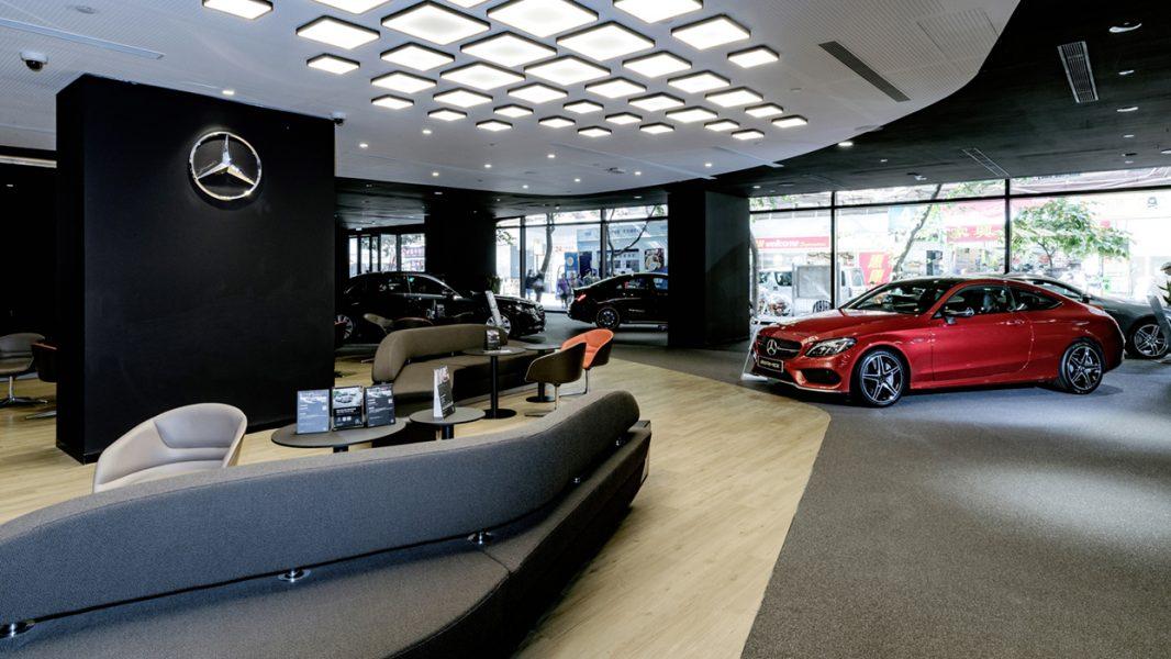 Markenerlebnis im digitalen Zeitalter - Mercedes-Benz mit neuem Markenauftritt im Retail