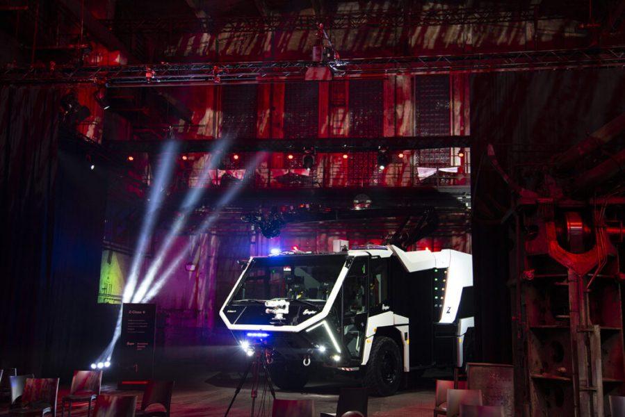 Feuerwehrauto in Industriehalle beim Ziegler Event