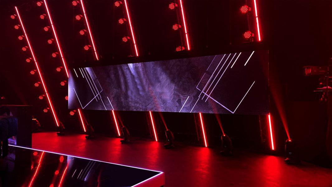BackStage Bereich mit LED Wand und Scheinwerfern