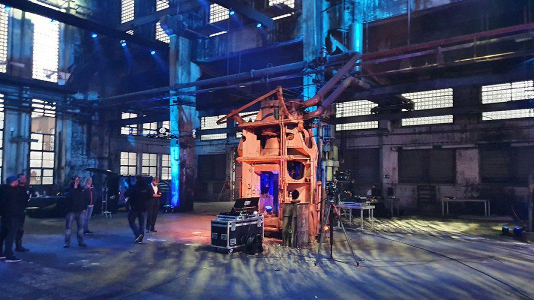 Industriehalle mit alten Maschinen