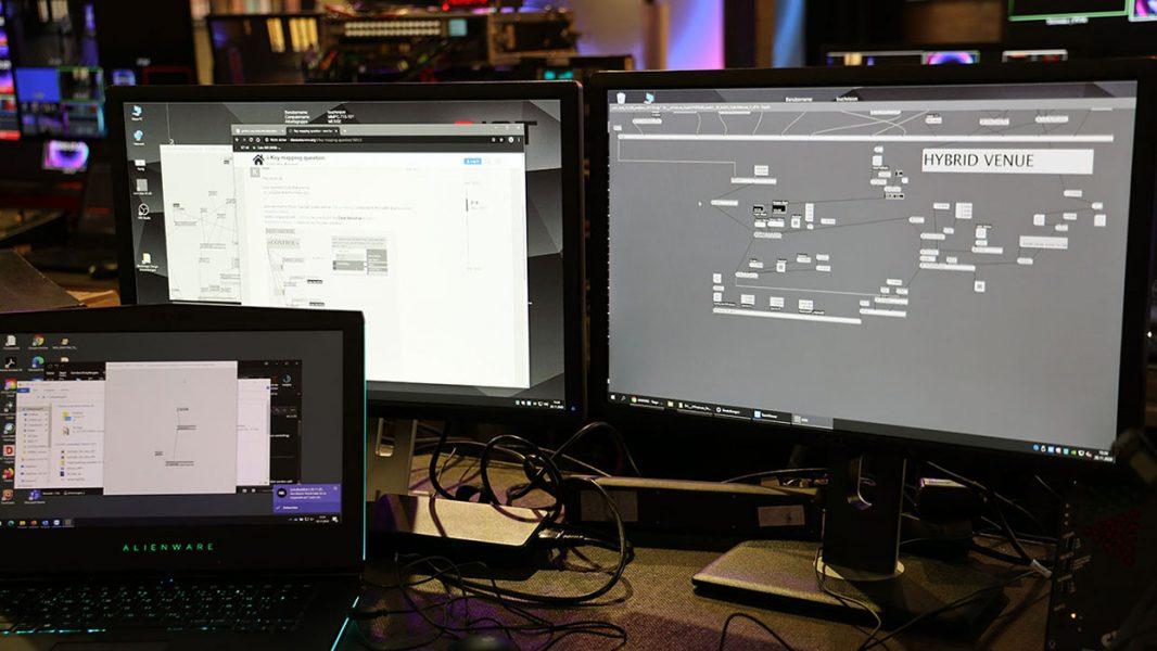 Computer in der Regie mit Kreativem Content