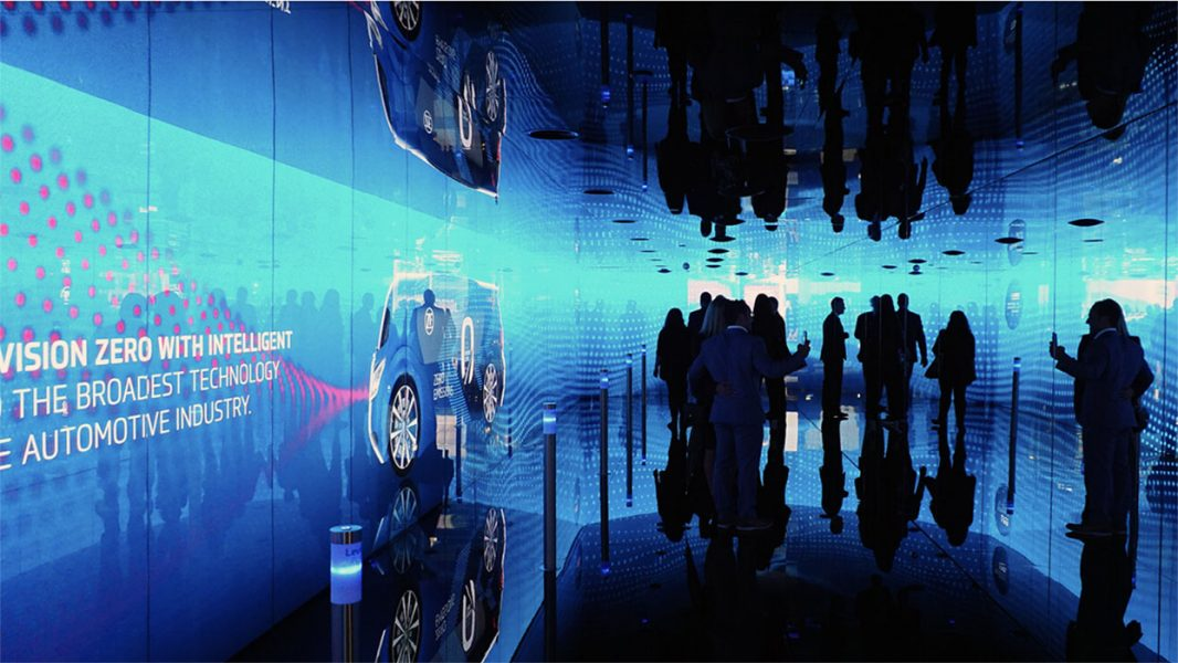 ZF-Messestand-LED-Tunnel-02