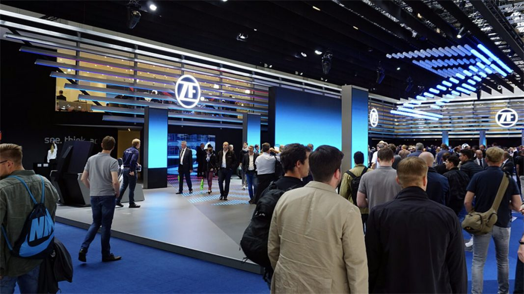 ZF-Messestand-LED-Tunnel-06