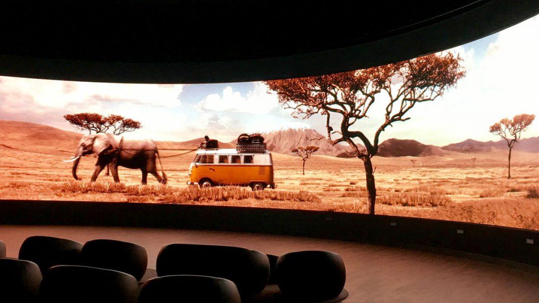 vw-led-autostadt-kino